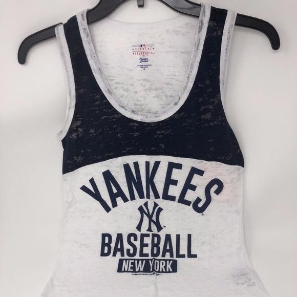 3d4037f335a24 New York Yankees Women s Tank Top